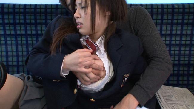【おっぱい】バスで、路地裏で、電車で、工場で…痴漢、凌辱されまくる爆乳美少女ちゃんのおっぱい画像がエロすぎる!【30枚】 04