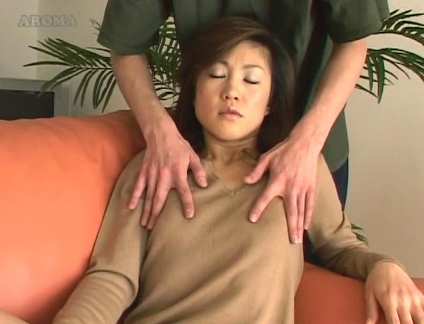 【おっぱい】乳首だらけの敏感つんつんコリコリ祭り!乳首弄りで感じまくっちゃう女性たちのおっぱい画像がエロすぎる!【30枚】 10