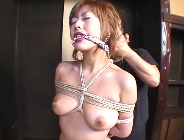 【おっぱい】緊縛プレイは本当にエロい!縛られているだけでオマ〇コを濡らしてしまう女性たちのおっぱい画像がエロすぎる!【30枚】 10
