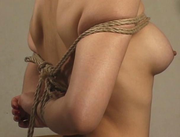 【おっぱい】緊縛プレイは本当にエロい!縛られているだけでオマ〇コを濡らしてしまう女性たちのおっぱい画像がエロすぎる!【30枚】 29