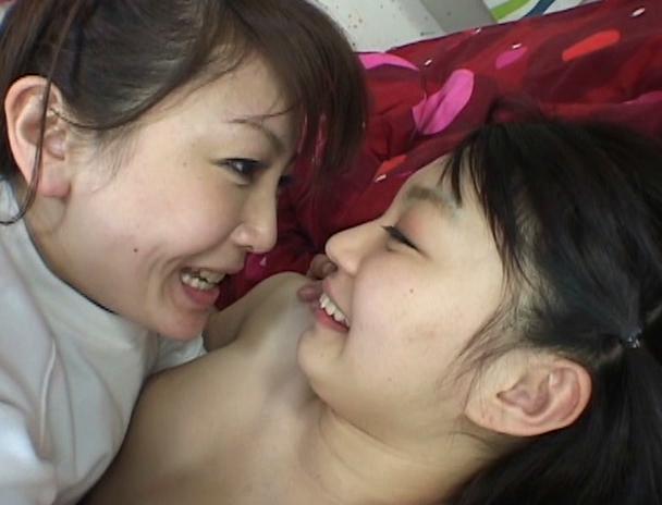 【おっぱい】汚れ無き禁断の花園で、変態レズビアン女教師が女生徒たちの蜜液を吸い上げる!レズセックスに目覚めてしまう女性たちのおっぱい画像がエロすぎる!【30枚】 10