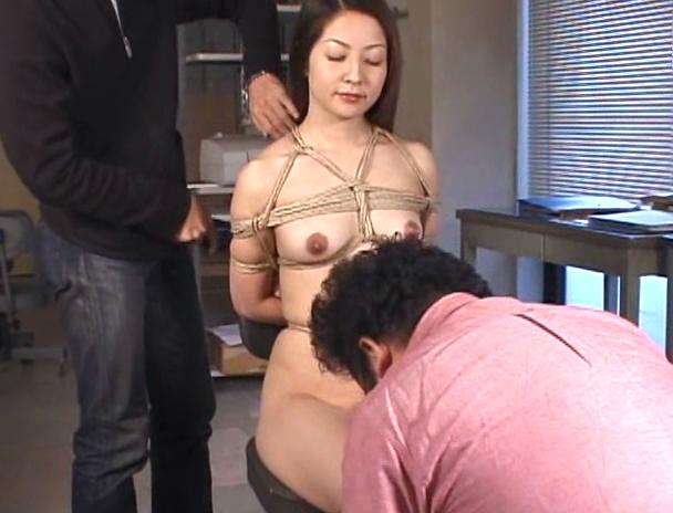 【おっぱい】麻縄で縛り上げられて緊縛プレイ中にセックスまでさせられてしまうM女たちのおっぱい画像がエロすぎる!【30枚】 03