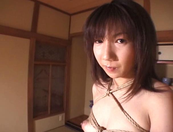 【おっぱい】麻縄で縛り上げられて緊縛プレイ中にセックスまでさせられてしまうM女たちのおっぱい画像がエロすぎる!【30枚】 25