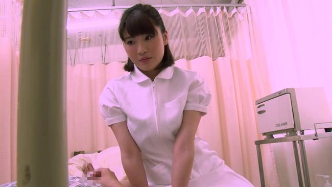 【おっぱい】入院中の弟の童貞チ〇ポまで看病してあげちゃう優しい看護師のお姉ちゃんたちのおっぱい画像がエロすぎる!【30枚】 05