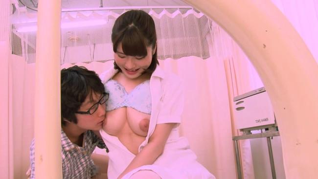 【おっぱい】入院中の弟の童貞チ〇ポまで看病してあげちゃう優しい看護師のお姉ちゃんたちのおっぱい画像がエロすぎる!【30枚】 10