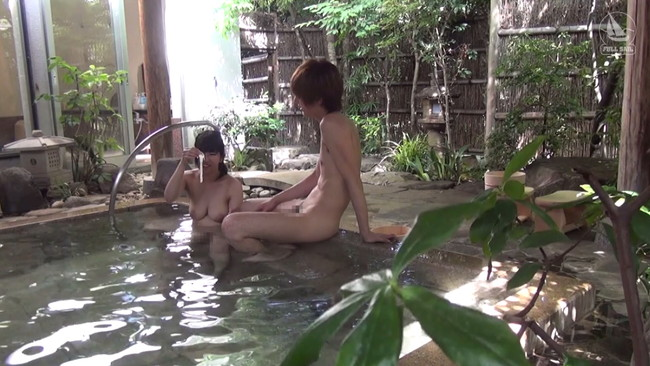 【おっぱい】高級旅館を貸し切りにして、温泉や部屋…どこでもセックスをしちゃうカップルのセックス画像がエロすぎる!【30枚】 05