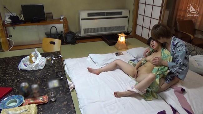 【おっぱい】高級旅館を貸し切りにして、温泉や部屋…どこでもセックスをしちゃうカップルのセックス画像がエロすぎる!【30枚】 19