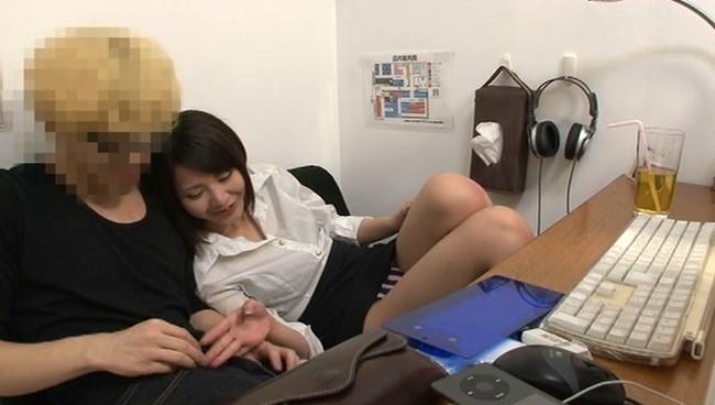 【おっぱい】インターネットカフェにあるカップルシートでセックスしまくっている女の子たちのおっぱい画像がエロすぎる!【30枚】 05