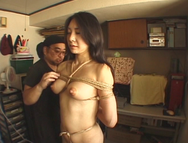 【おっぱい】日本だけではなく海外でも注目されている緊縛プレイで縛り上げられている女性たちのおっぱい画像がエロすぎる!【30枚】 04