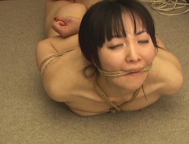【おっぱい】日本だけではなく海外でも注目されている緊縛プレイで縛り上げられている女性たちのおっぱい画像がエロすぎる!【30枚】 17