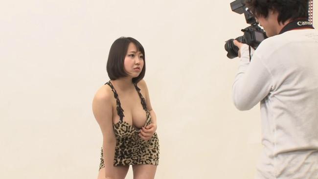 【おっぱい】カメラマン志望で新しいカメラで撮影していくうちにヌードからセックスまでできちゃうギャル系モデルたちのおっぱい画像がエロすぎる!【30枚】 30