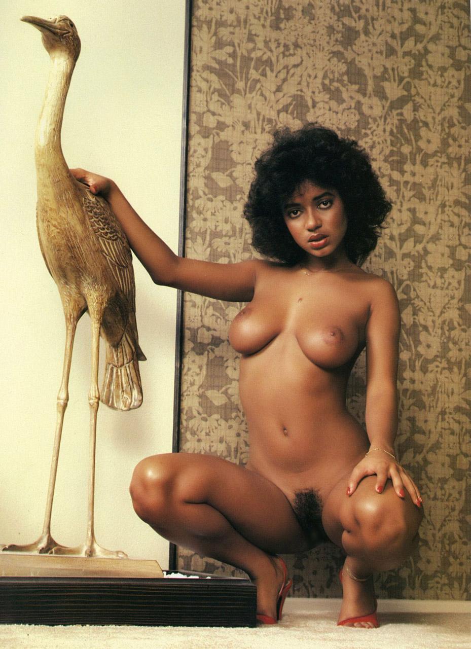 【黒人 美人】黒人のスタイル抜群な女性が美巨乳露出してるおっぱい画像ってブラックビューティーって感じで最高にエロい件w 08