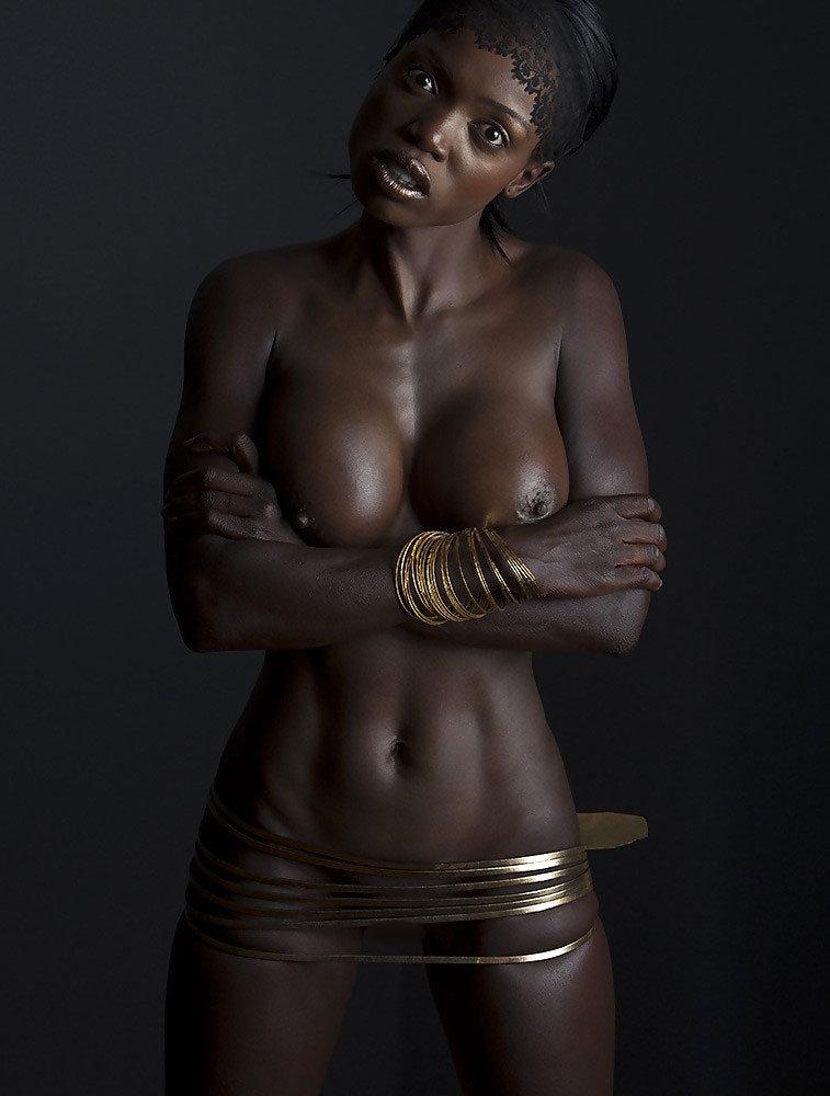 【黒人 美人】黒人のスタイル抜群な女性が美巨乳露出してるおっぱい画像ってブラックビューティーって感じで最高にエロい件w 19