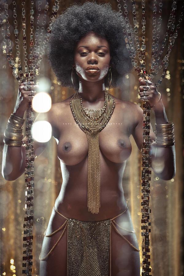 【黒人 美人】黒人のスタイル抜群な女性が美巨乳露出してるおっぱい画像ってブラックビューティーって感じで最高にエロい件w 20