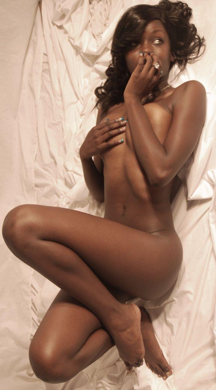 【黒人 美人】黒人のスタイル抜群な女性が美巨乳露出してるおっぱい画像ってブラックビューティーって感じで最高にエロい件w 21