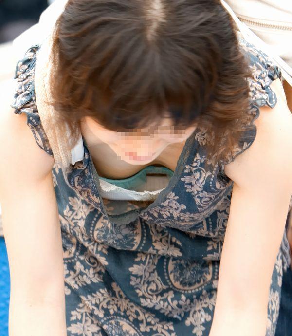 【おっぱい】乳首までチラリズムしている女の子も多く出現する夏www【30枚】 30