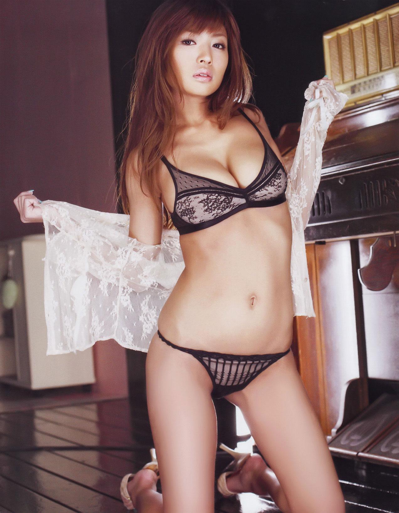 【おっぱい】セクシーさを求めているなら下着ヌードを見るのがおすすめ!【30枚】 21