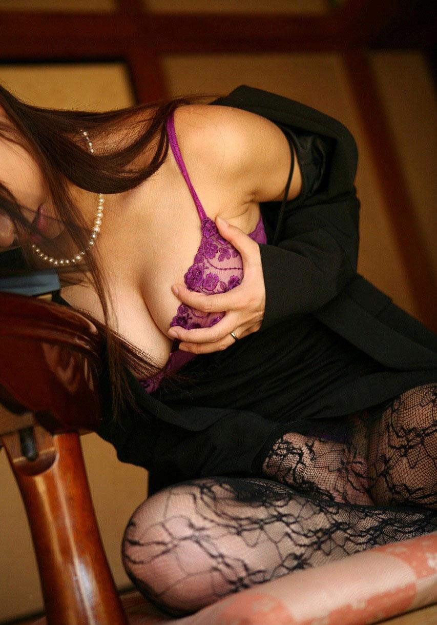 【おっぱい】セクシーさを求めているなら下着ヌードを見るのがおすすめ!【30枚】 29