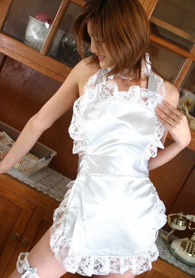 【おっぱい】結婚したいと思えば思うほど裸エプロンに憧れるという噂www【28枚】 20