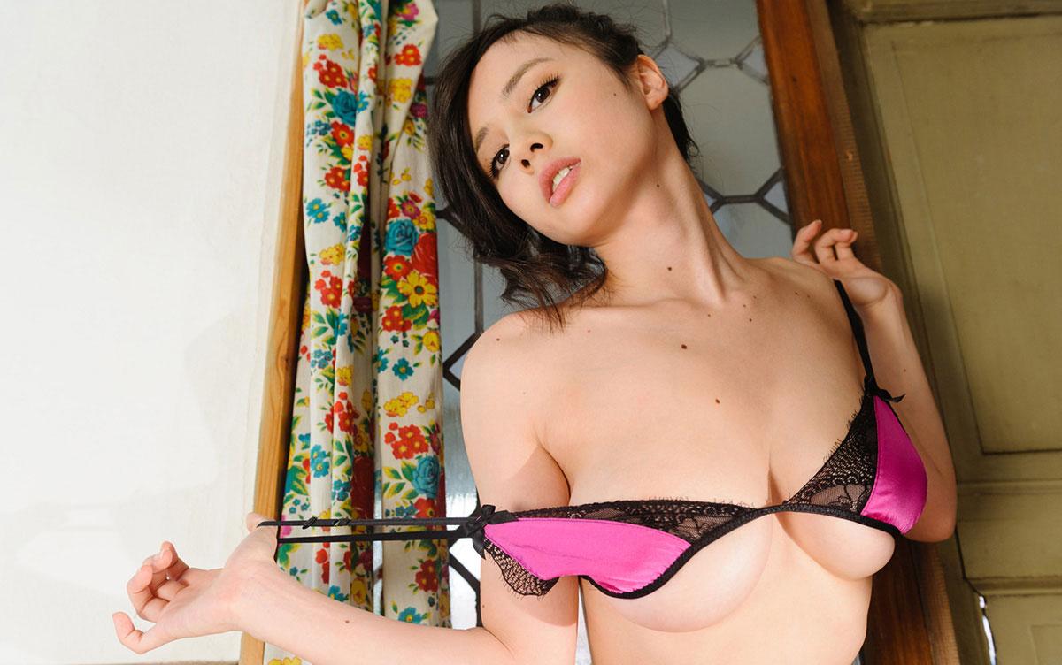 【おっぱい】ローアングルで女性を見る幸せがわかる、ずっしり下乳【46枚】 10