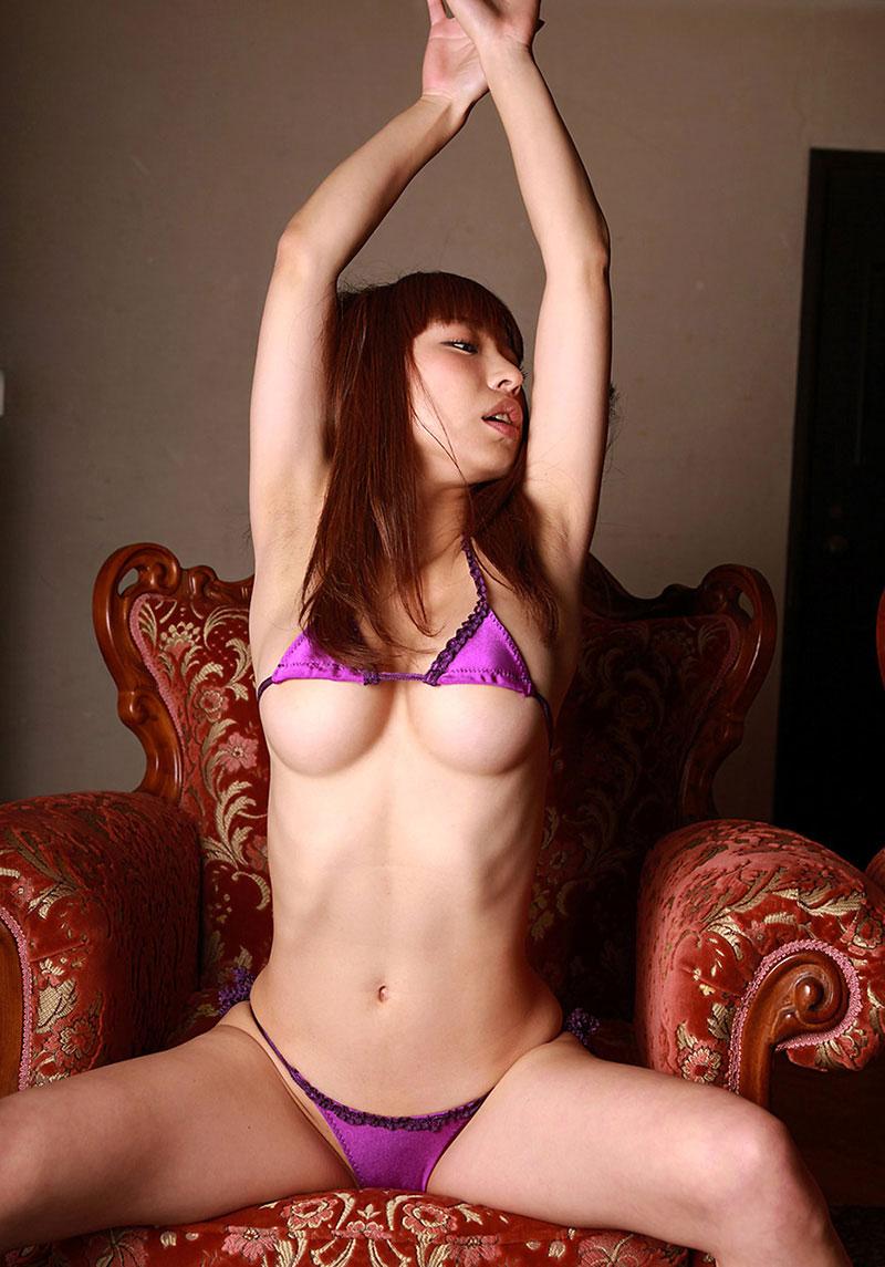 【おっぱい】ローアングルで女性を見る幸せがわかる、ずっしり下乳【46枚】 32