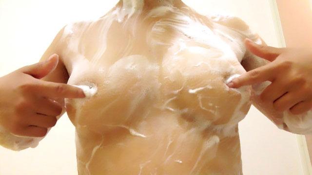 【おっぱい】手ブラをどかそうとして手に触れると想像するだけでドキドキする!【27枚】 25