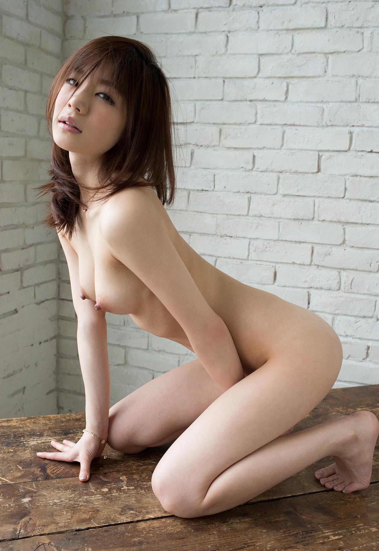 【おっぱい】スレンダー美女のスタイルと同時に楽しむおっぱい【39枚】 39