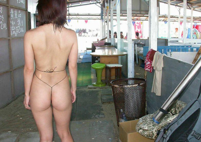 【おっぱい】ド変態と思い切って罵ってやりたい変態水着の女性たちwww【33枚】 13