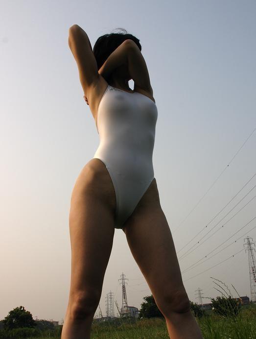 【おっぱい】ド変態と思い切って罵ってやりたい変態水着の女性たちwww【33枚】 21