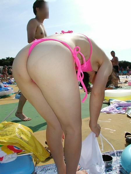 【おっぱい】ド変態と思い切って罵ってやりたい変態水着の女性たちwww【33枚】 24