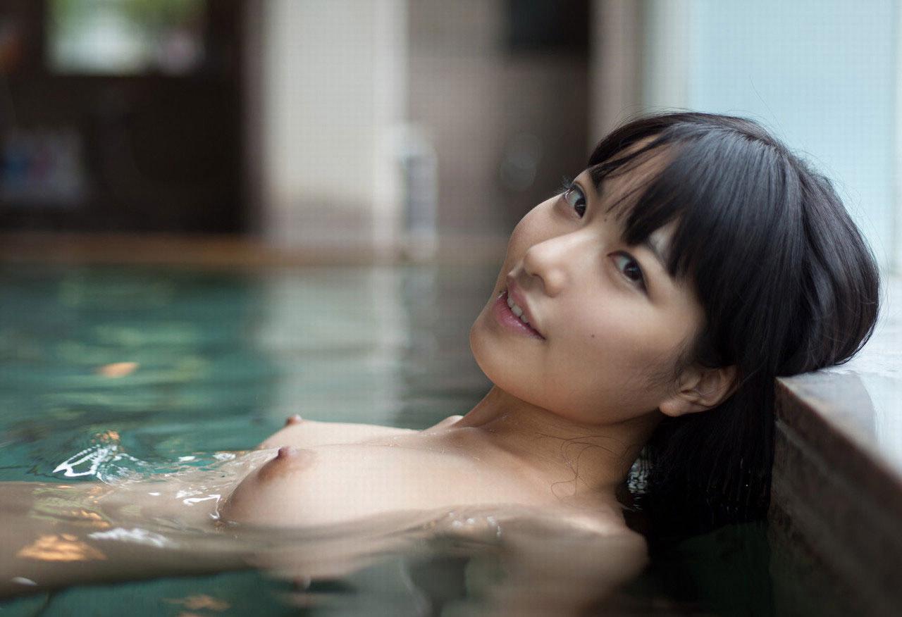 【おっぱい】シャワーでキレイになった美乳を舐め回してベトベトにしたい!【70枚】 07