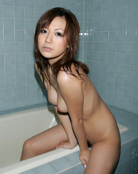 【おっぱい】シャワーでキレイになった美乳を舐め回してベトベトにしたい!【70枚】 37