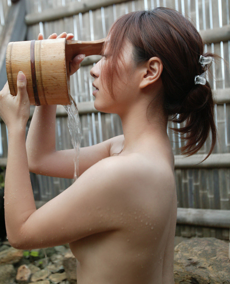 【おっぱい】シャワーでキレイになった美乳を舐め回してベトベトにしたい!【70枚】 49