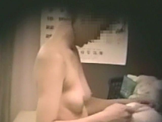【おっぱい】脱衣所の覗き画像が多いのは、風呂よりも油断しているから?【90枚】 27