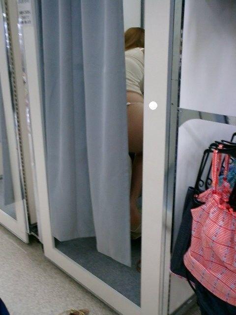 【おっぱい】脱衣所の覗き画像が多いのは、風呂よりも油断しているから?【90枚】 30