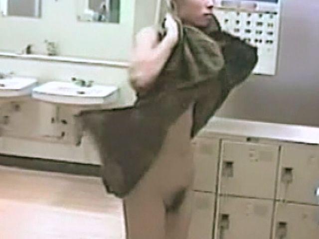 【おっぱい】脱衣所の覗き画像が多いのは、風呂よりも油断しているから?【90枚】 64