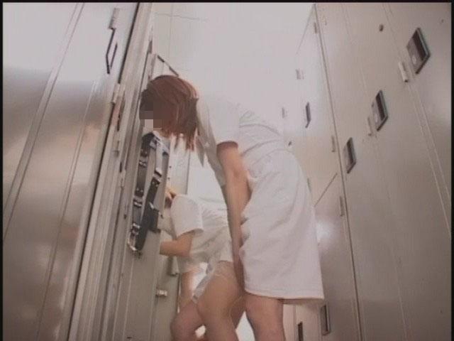 【おっぱい】脱衣所の覗き画像が多いのは、風呂よりも油断しているから?【90枚】 75