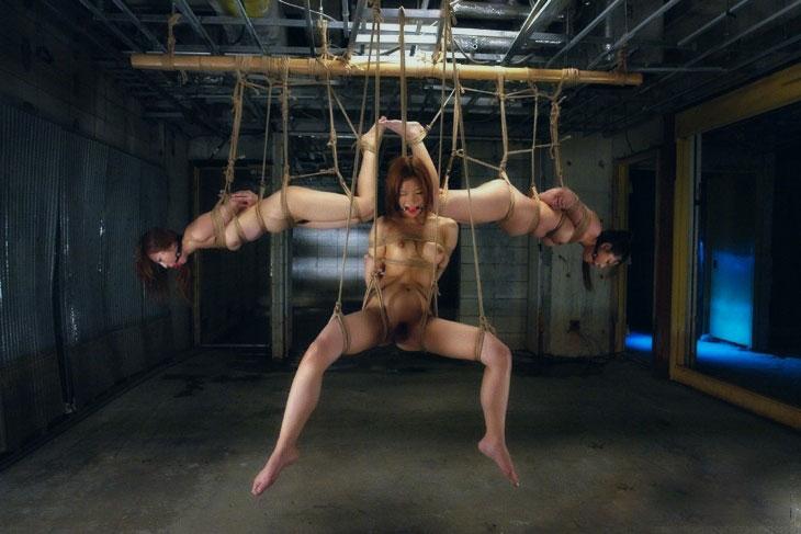 【おっぱい】ガッツリ緊縛されている女性の抵抗できない儚いおっぱい!【62枚】 03