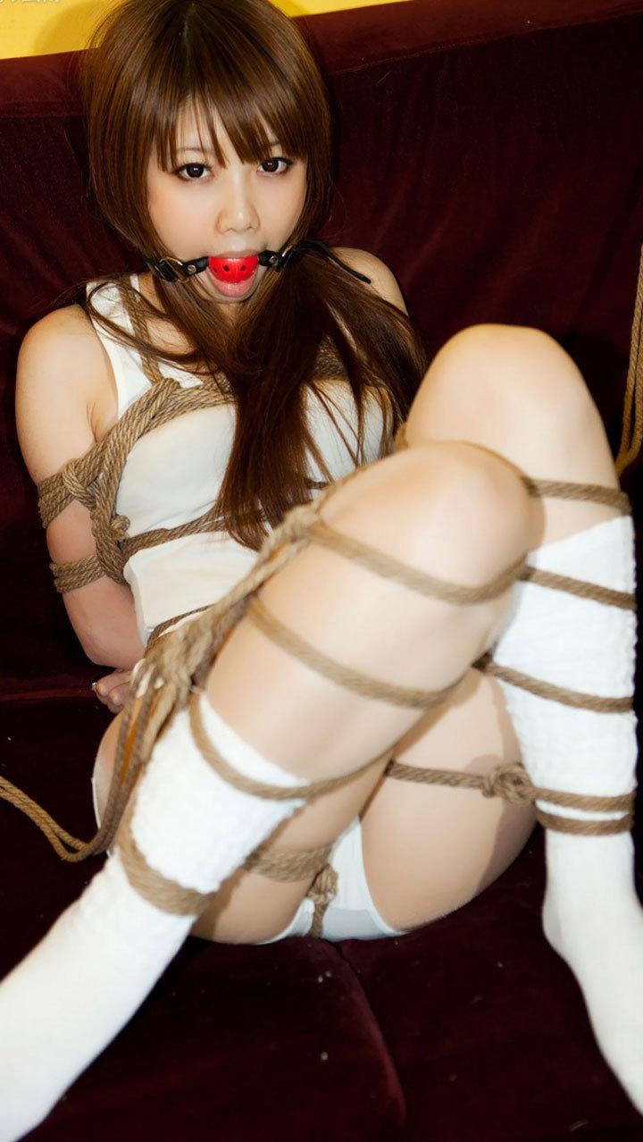 【おっぱい】ガッツリ緊縛されている女性の抵抗できない儚いおっぱい!【62枚】 18