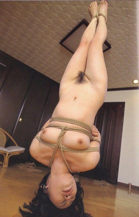 【おっぱい】ガッツリ緊縛されている女性の抵抗できない儚いおっぱい!【62枚】 30
