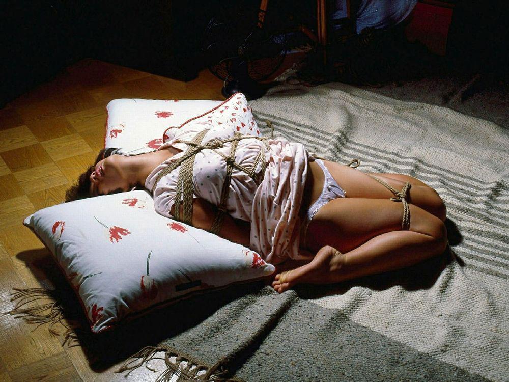 【おっぱい】ガッツリ緊縛されている女性の抵抗できない儚いおっぱい!【62枚】 49