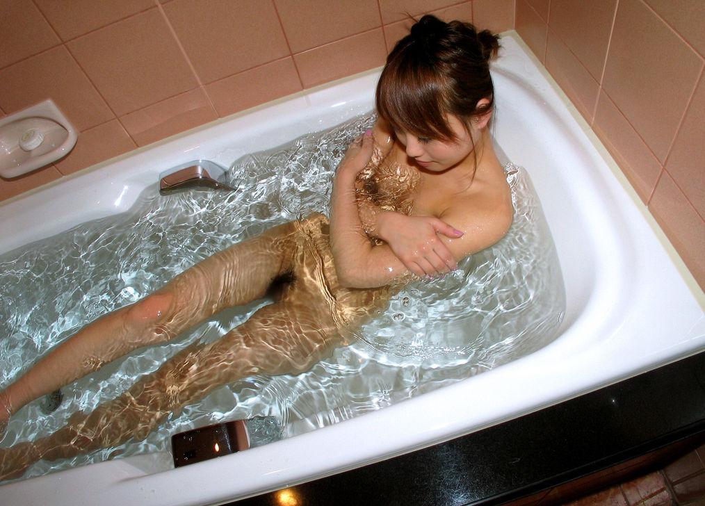 【おっぱい】究極かつ手軽に女の子のヌードが楽しめる場所、それはお風呂!【72枚】 38