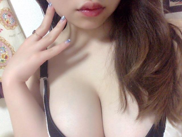 【おっぱい】すぐにでも脱いで隠している美乳を晒して欲しいのに焦らす素人娘www【98枚】 39
