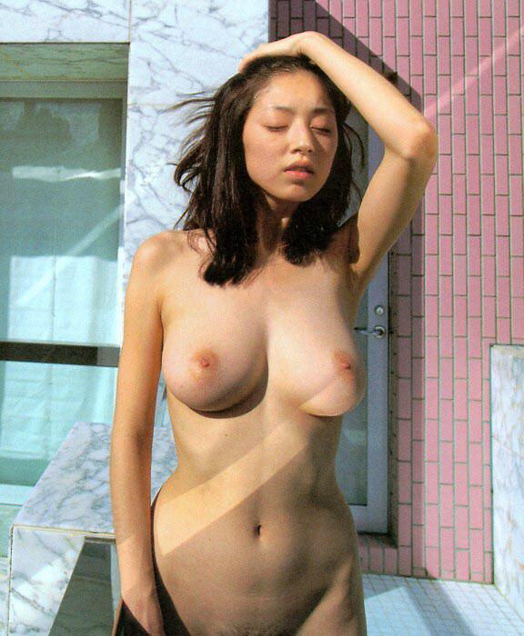【おっぱい】形状としての美しさはこれ以上ないぐらいの超美乳まとめ【32枚】 21