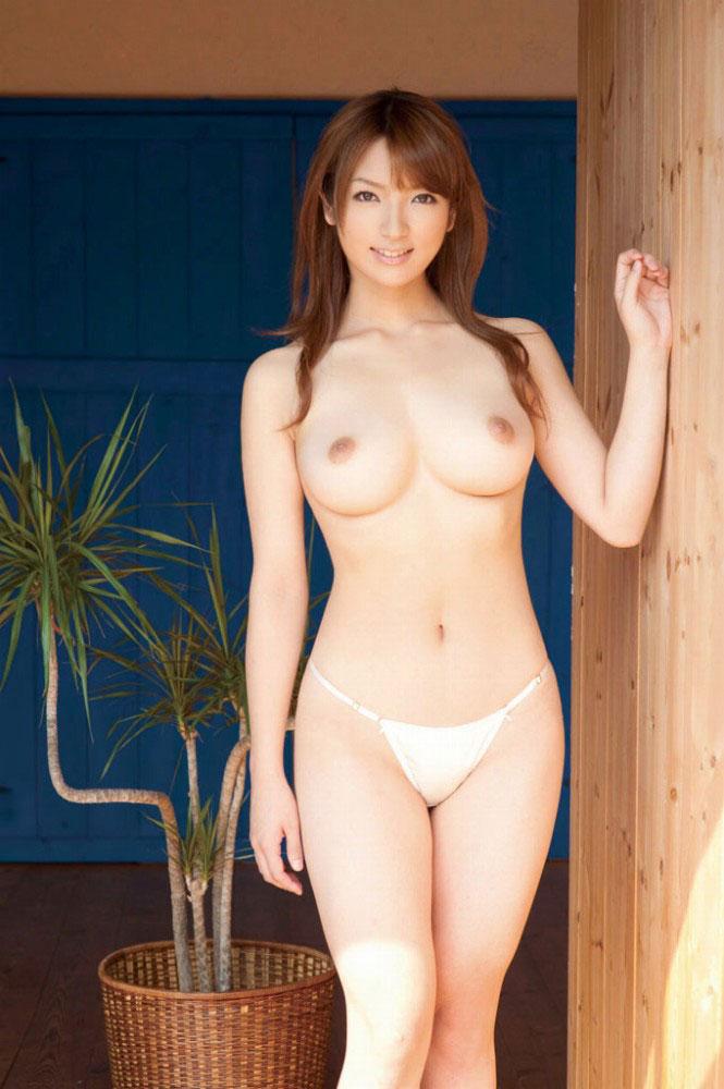 【おっぱい】乳房のサイズと乳輪、そして乳首が絶妙なおっぱいたち!【34枚】 24