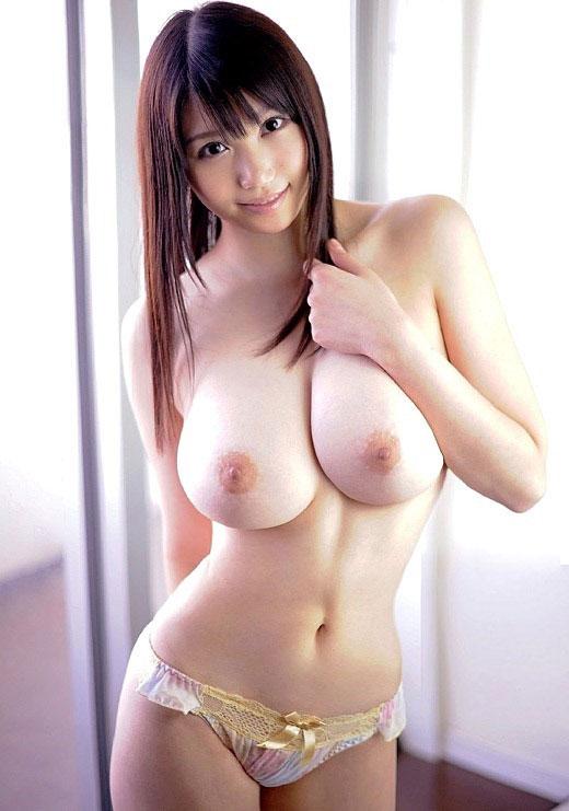 【おっぱい】美白女性の美巨乳を集めてみたけど、最近ではこれで普通ぐらいなのか?【34枚】 32