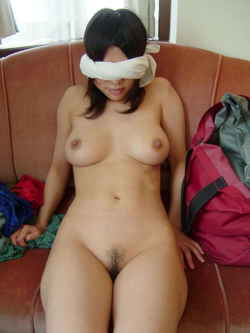 【おっぱい】目隠しされている女性の無防備なおっぱいをあえて焦らす!w【35枚】 34