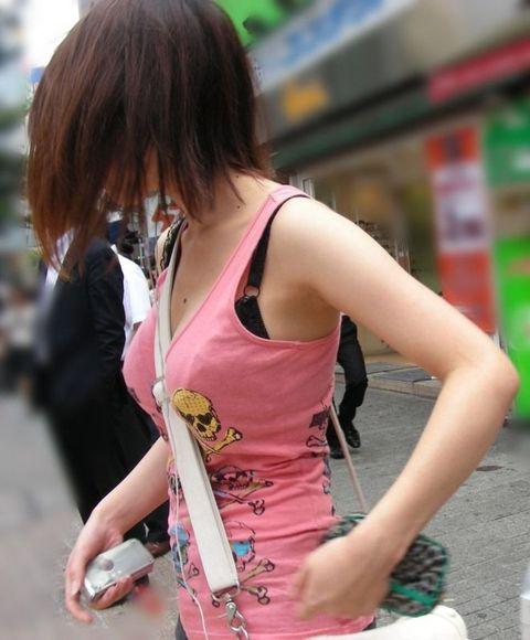【おっぱい】ただの着衣巨乳には興味ありません!素人さんのパイスラが見たいんです!【35枚】 27