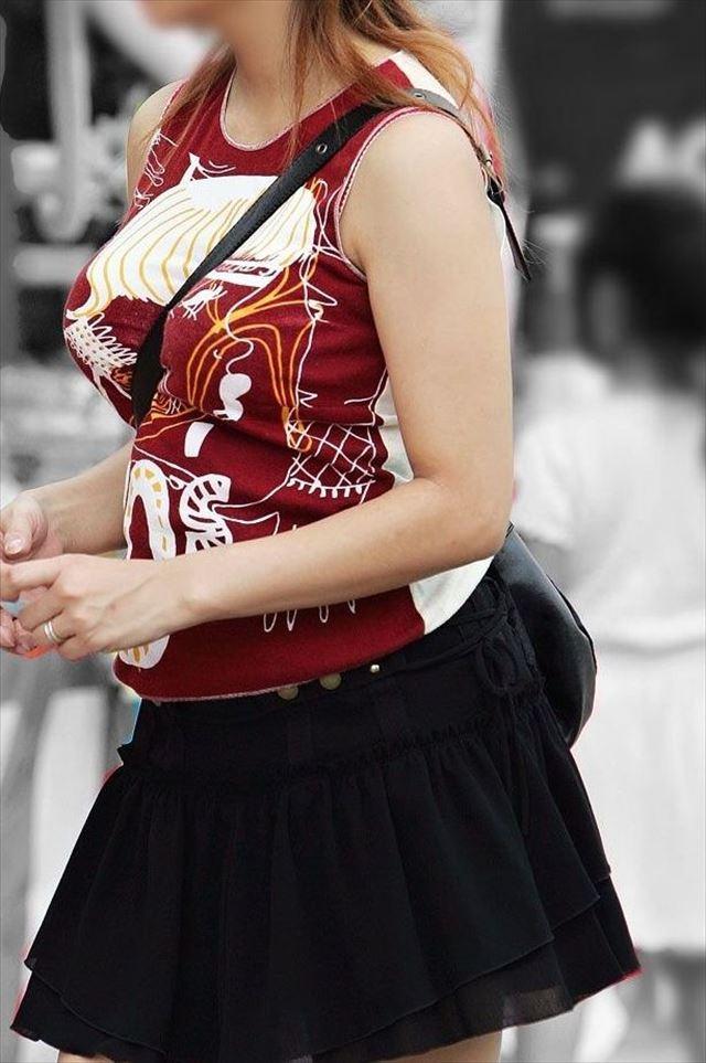 【おっぱい】ただの着衣巨乳には興味ありません!素人さんのパイスラが見たいんです!【35枚】 32