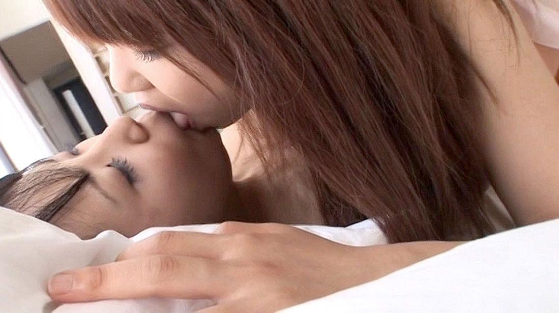 【おっぱい】レズビアンの画像って二人のおっぱいを同時に見れてお得だよなwww【35枚】 12